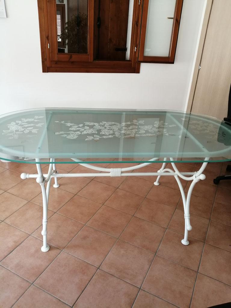 Tavolo In Ferro E Vetro.Tavoli In Ferro E Vetro A Vicenza Arzignano Altavilla